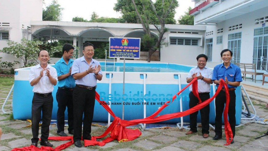 Hoàng Hải tài trợ bể bơi di động miễn phí tới miền Trung