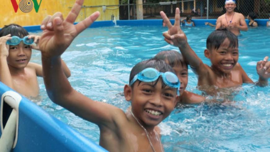 Bình Thuận: Hiệu quả của chương trình dạy bơi giúp học sinh tránh đuối nước